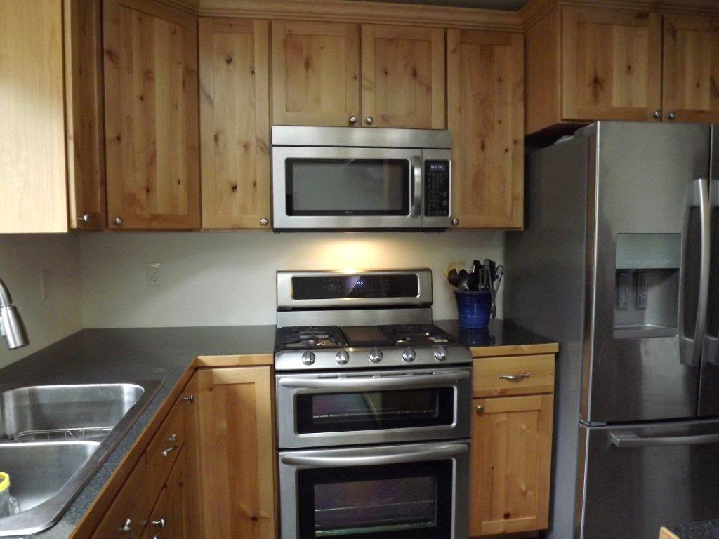 Tips to find the right stovetop camano custom cabinets blog for Find kitchen remodeling