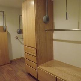 V closet 1