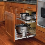 Wire cookware pull-out