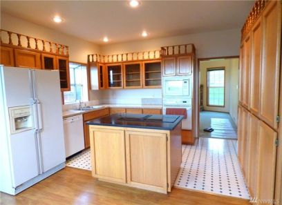 Kitchen Before- Camano Island